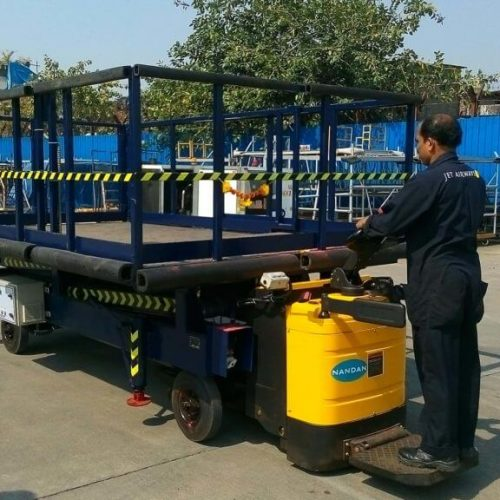 Self-Propelled-Scissor-Lift-for-Airline-Industry4-1024x576